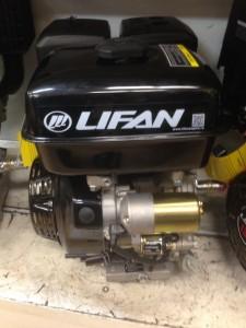 Двигатель Lifan 190FD 7A 15 л/с с эл.стартером диам-25 мм с катушкой освещения