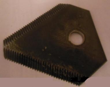 Сегмент (треугольный) на одно отверстие к косилке Заря